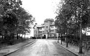 Farnborough, Queen's Hotel 1909