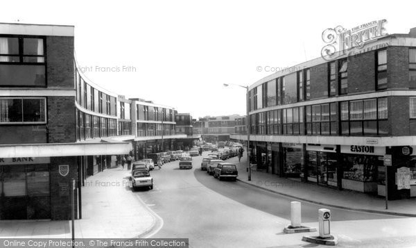 Farnborough, Queensmead Shopping Centre c1965.  (Neg. F9195)  © Copyright The Francis Frith Collection 2007. http://www.francisfrith.com