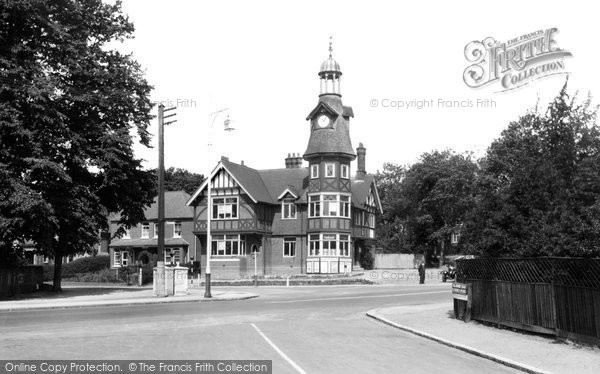 Farnborough, the Clock House 1936.  (Neg. 87232)  © Copyright The Francis Frith Collection 2007. http://www.francisfrith.com