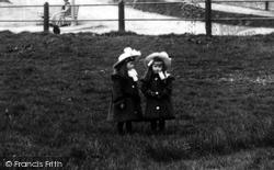 Farncombe, Sisters 1905