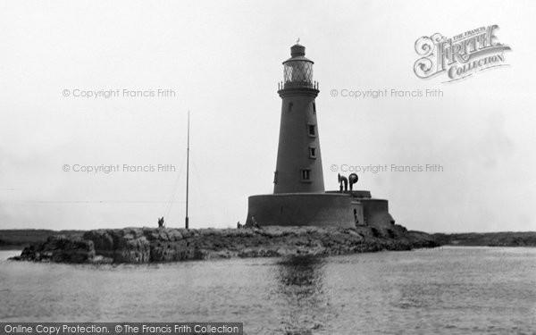 Photo of Farne Island, Longstone Lighthouse c1933, ref. F152003