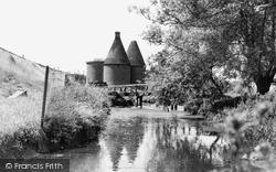 Farnham, Old Hop Kilns c.1955