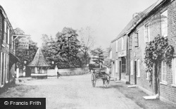 Farnham Royal, The Dukes Head 1913