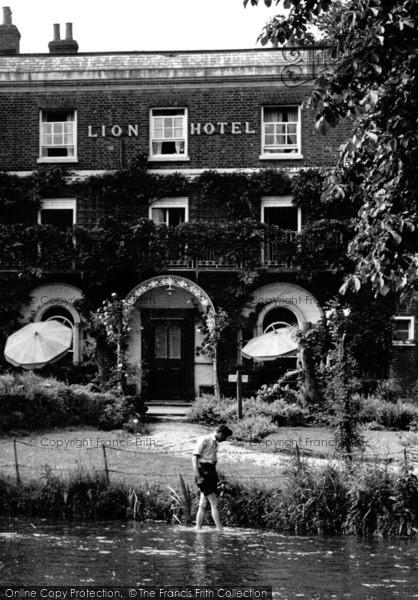 Photo of Farningham, Lion Hotel, Splashing In The Darent  c.1955