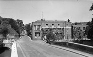 Farningham, the Lion Hotel c1955