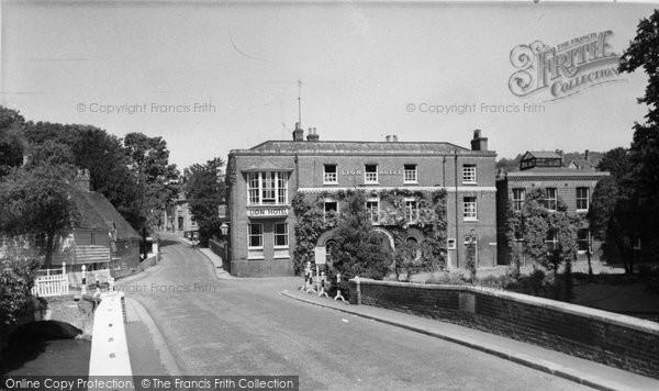 Photo of Farningham, the Lion Hotel c1955