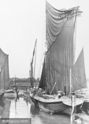 Faversham, Oare Creek, Sailing Barges c.1900