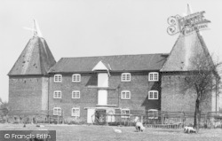 Faversham, Perry Court Farm Oast House c.1900