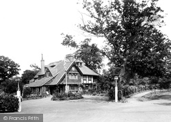 Hotel 1925, Felbridge