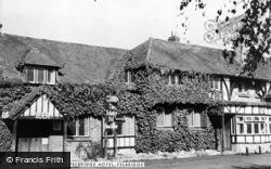 Ye Olde Felbridge Hotel c.1965, Felbridge