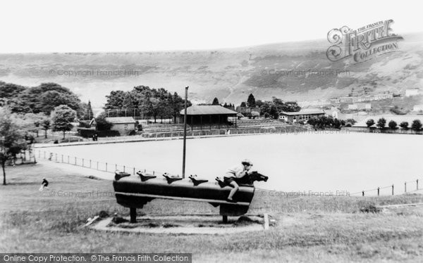 Photo of Ferndale, Darran Park Playground c.1955