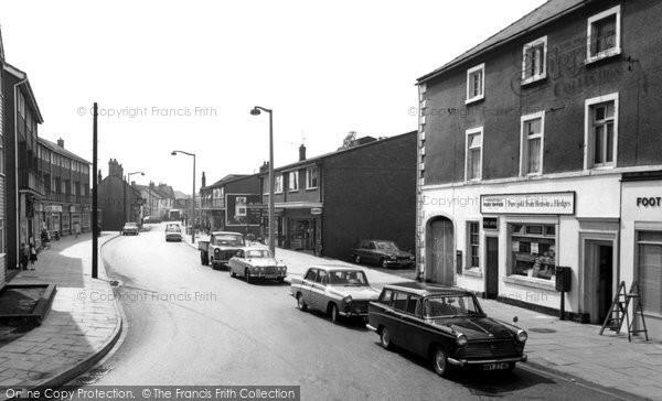 Photo of Ferrybridge, High Street c.1955