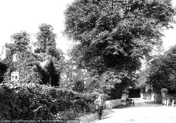 Photo of Fetcham, Leatherhead Road 1904