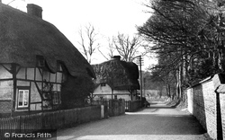 Figheldean, Thatched Cottages c.1955