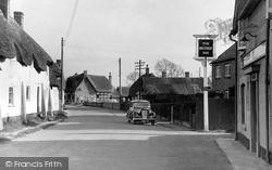 Figheldean, The Village And Wheatsheaf Inn c.1950
