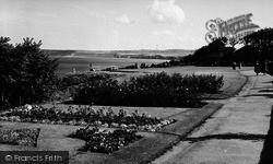 Filey, Crescent Gardens, Putting Green c.1960