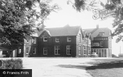 Filey, Southcliffe Hotel c.1960