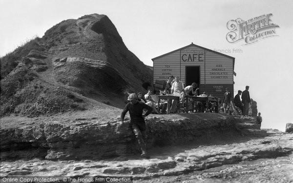 Photo of Filey, the Brigg Cafe c1932
