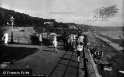 The Promenade 1927, Filey
