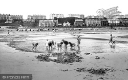 The Sands 1927, Filey