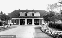 Finchley, Swimming Pool c.1965