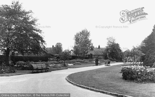 Photo of Finchley, Victoria Park, Church End c.1955