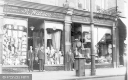 Finchley, Watson's Store, Broadway c.1908