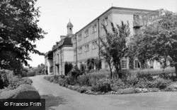 Home Of Holyrood c.1955, Findon