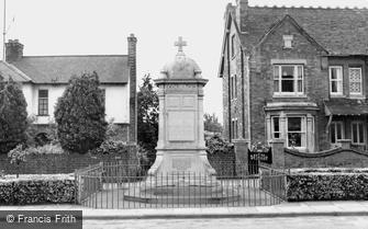 Finedon, the War Memorial c1955