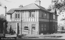 Fishbourne, The Fishbourne Inn c.1960