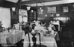 Fittleworth, The Swan Dining Room 1914