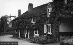 Fittleworth, The Swan Hotel c.1950