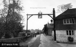 The Swan Hotel c.1960, Fittleworth