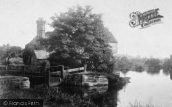 Fladbury, Lock 1901