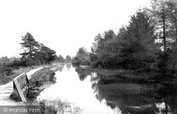 Fleet, On The Canal 1903