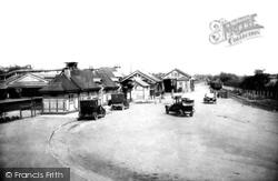 Fleet, Railway Station 1924