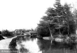 Fleet, Reading Road Bridge 1903