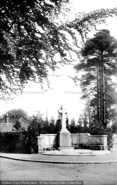 Photo of Fleet, War Memorial 1924