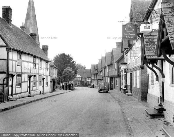 Fletching, the Street c1950