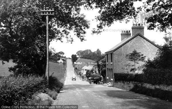 Photo of Flint Mountain, The Village 1936