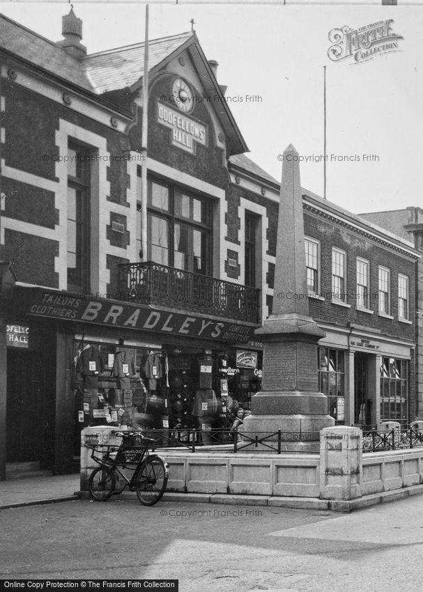 Flint, Oddfellows' Hall and War Memorial c1950