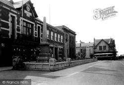 Flint, Trelawney Square c.1950