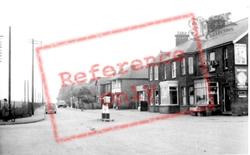 Station Square c.1960, Flitwick