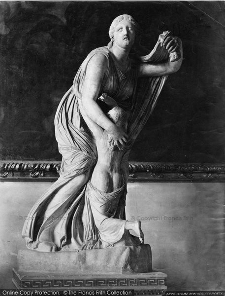 Photo of Florence, Sculpture, Niobe Mother c.1870