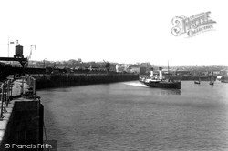 The Harbour, The Boulogne Boat Leaving 1906, Folkestone