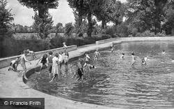 Forest Hill, The Children's Pool, Horniman's Gardens c.1950