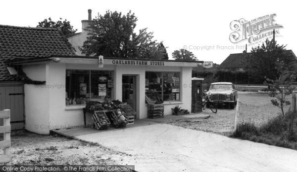 Framingham Earl photo