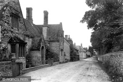 The Village 1906, Frampton