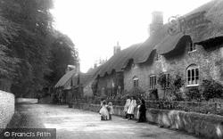 Village 1906, Frampton