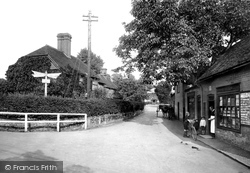 Frensham, Cross Roads 1914